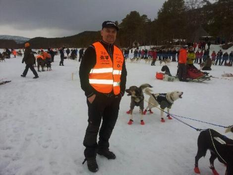 Handler Øyvind Hansen konstaterer at alt går etter planen. Foto: Birger Altmann