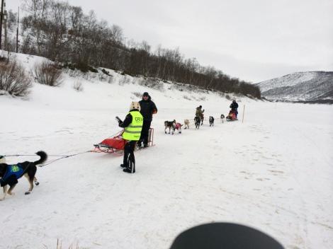 Dag Torulf sørger for å bli registrert, så fortsetter han mot Karasjok. Foto: Ole Chr. Gulbrandsen