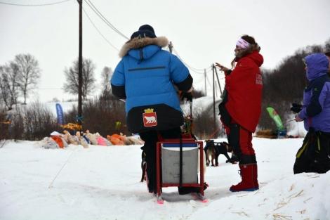Dag Torulf får instruksjoner fra arrangøren. Foto: Ole Chr. Gulbrandsen