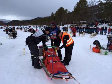 Omrigging. Konkurransesleden er på plass. Foto: Birger Altmann