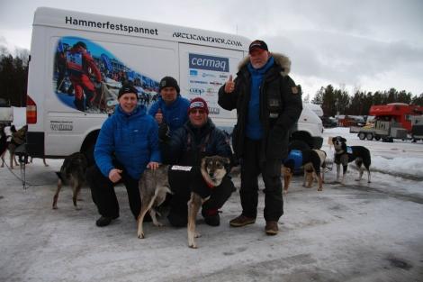 Tore, Øyvind, Dag Torulf og Svein med Dina før vi starter. Foto: Eirik Palm