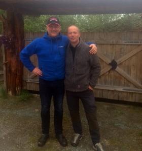 Dag Torulf Olsen og Tore Albrigtsen samarbeider under Iditarod 2016.